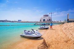 Scooter de mer pour le loyer sur la plage en Abu Dhabi Images libres de droits