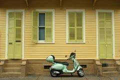 scooter francuskiej dzielnicy Zdjęcie Royalty Free