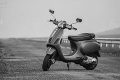 Scooter italien de cru Photos stock
