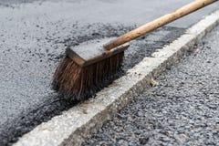 Scopa ampia per gli impianti d'asfaltatura Fotografia Stock