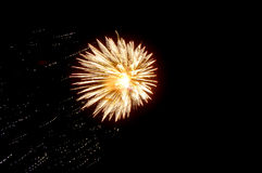 Scoppio dei fuochi d'artificio Immagini Stock