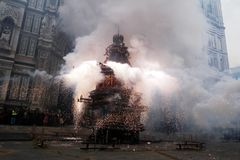 SCOPPIO DEL CARRO IN PIAZZA DUOMO A FIRENZE. The explosion of the cart is a folklore event that takes place on Easter Sunday in Florence. The brindellone, a Royalty Free Stock Photos