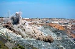 Scoppio in miniera a cielo aperto Fotografie Stock