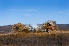 Scoppio nella cava di estrazione a cielo aperto Fotografie Stock