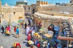 Scopra il mercato degli uccelli di Souq Waqif dal tetto, Doha, Qatar Fotografia Stock