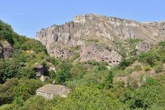 Scopra la città della caverna di Khndzoresk in Armenia immagine stock