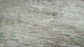 Scorrimenti dell'acqua del fiume generoso Struttura dell'acqua di fiume video d archivio