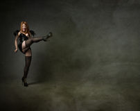 scossa della donna con i tacchi alti Fotografie Stock Libere da Diritti