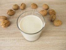 Scossa della proteina con la farina della noce Immagini Stock Libere da Diritti