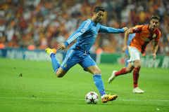 Scossa di Cristiano Ronaldo la palla Fotografia Stock Libera da Diritti