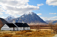 Scotland: Highlands with Houses. At west highland way Royalty Free Stock Photography