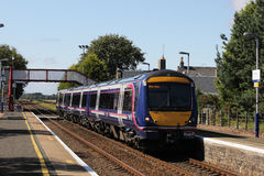 Scotrail dmu train passing Barry Links station Stock Photos