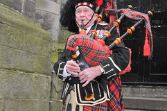Scottish piper in Edinburgh Royalty Free Stock Photos