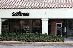 Scottrade标志外面在天 库存图片