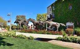 "Scottsdale, Αριζόνα: Γλυπτό αλόγων ""τα ζώα ενός έτους "" στοκ εικόνες με δικαίωμα ελεύθερης χρήσης"