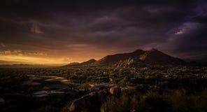 Scottsdale, γαλήνια μεγαλοπρεπής θεώρηση ερήμων Cavecreek Στοκ Εικόνα