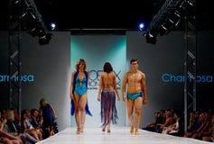 SCOTTSDALE, AZ- 3 de outubro, modelos que apresentam projetos imagem de stock royalty free