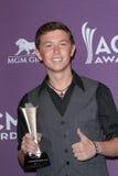Scotty McCreery på den 47th akademin av countrymusik tilldelar Presslokal, Mgm Grand, Las Vegas, NV 04-01-12 Royaltyfri Bild