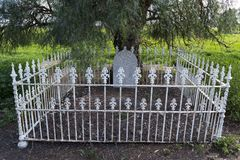 Scotty`s Grave, Allen Creek, South Australia. Allendale, South Australia, Australia - September 30, 2017: Scotty`s Grave in the middle of a field marks the Stock Photo