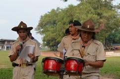 Scouts thaïlandais de professeur photographie stock libre de droits