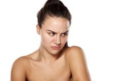 Scowling Frau ohne Make-up Lizenzfreies Stockbild