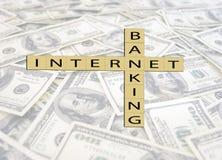 Scrabble avec des opérations bancaires d'Internet Illustration Stock