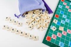 Scrabble del juego imagenes de archivo