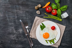 Scrambled egg with asparagus Stock Photography