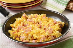 Scrambled eggs with ham and cheese Royalty Free Stock Photography
