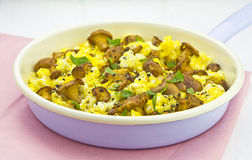 Scrambled eggs on pan Stock Photography