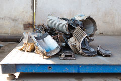 Scrap metal weighting Royalty Free Stock Photography