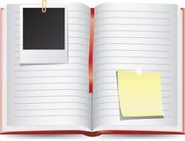 Scrapbook dzienniczek z pustymi fotografii ramami ilustracji