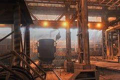 Scrapper заполненный с утилем контейнера metall Стоковые Фото