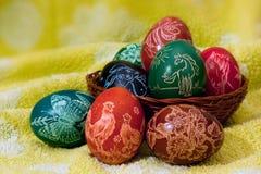 Scratched coloreó los huevos de Pascua Imagen de archivo libre de regalías