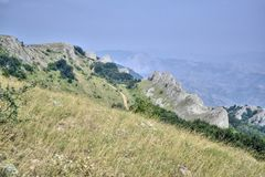 Screensaver dla desktop dokąd lato krajobraz Krymskie góry przedstawia obrazy stock