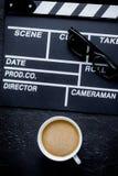 Screenwriterdesktop met de raads donkere achtergrond van de filmklep aan Royalty-vrije Stock Afbeelding