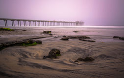Scripps-Pier langes exosure während eines nebeligen Sonnenaufgangs Lizenzfreie Stockbilder