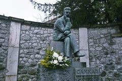 Scrittore sloveno famoso della statua di Ivan Cankar in Vrhnika fotografie stock libere da diritti