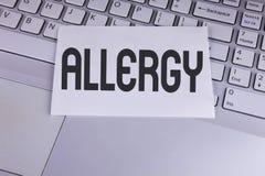 Scrittura concettuale della mano che mostra allergia La foto di affari che montra i danni nell'immunità dovuto ipersensibilità le Fotografia Stock Libera da Diritti