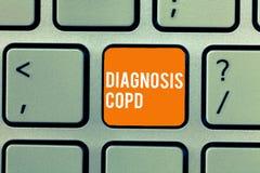Scrittura concettuale della mano che mostra diagnosi Copd Ostruzione del testo della foto di affari del flusso d'aria del polmone fotografie stock libere da diritti