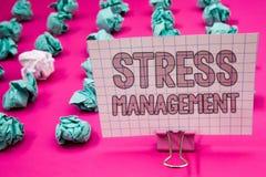 Scrittura concettuale della mano che mostra gestione dello stress Foto di affari che montra sanità P di positività di rilassament Fotografie Stock