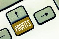 Scrittura concettuale della mano che mostra i profitti La foto di affari che montra la differenza di beneficio finanziario fra l' immagine stock