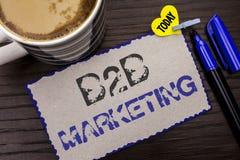Scrittura concettuale della mano che mostra introduzione sul mercato di B2B Foto di affari che montra wri tra imprese di commerci Immagine Stock