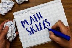 Scrittura concettuale della mano che mostra le abilità di per la matematica La foto di affari che montra cominciare imparare come immagine stock libera da diritti