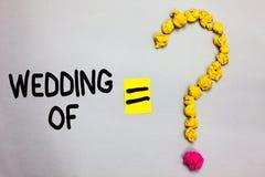 Scrittura concettuale della mano che mostra nozze di Foto di affari che montra annunciando che uomo e donna ora come coppia sposa fotografia stock libera da diritti