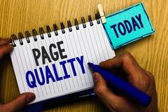 Scrittura concettuale della mano che mostra qualità della pagina Foto di affari che montrano efficacia di un sito Web in termini  fotografie stock libere da diritti