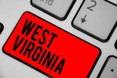 Scrittura concettuale della mano che mostra Virginia Occidentale Viaggio K storico di turismo di viaggio dello stato degli Stati  Fotografia Stock