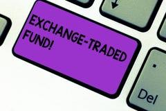 Scrittura del fondo commerciale scambio di rappresentazione della nota Foto di affari che montra valore mobiliare che segue un in fotografie stock