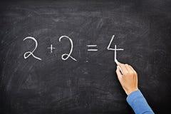 Scrittura della lavagna/lavagna di per la matematica Fotografie Stock