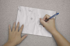 Scrittura della mano in documento su tessuto Fotografie Stock Libere da Diritti